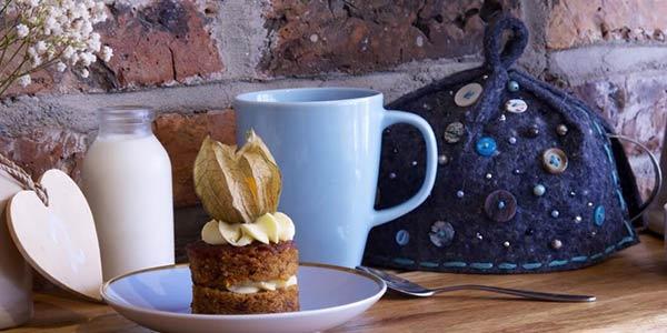 Tea cosy carrot cakes teapot